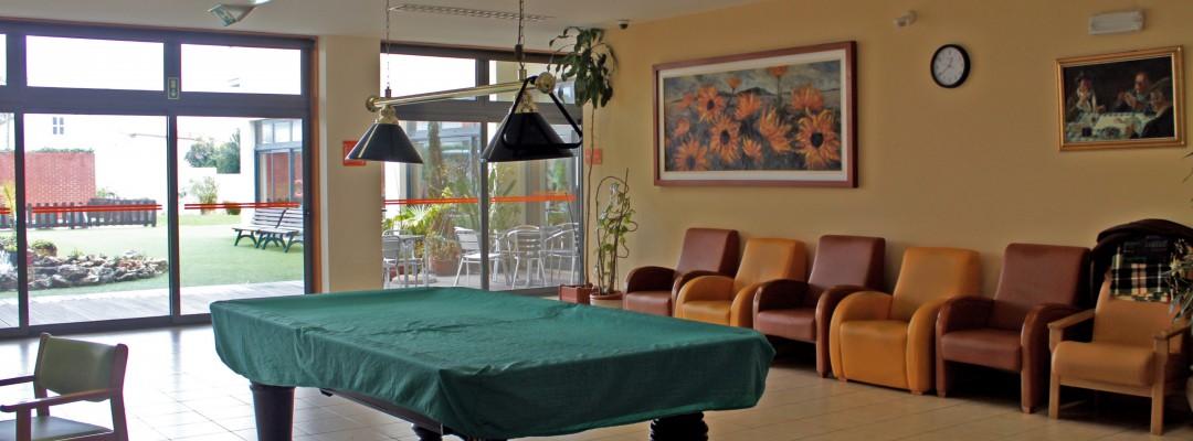 Zona  de convívio - Mesa de snooker -  Centro Sénior Associação Lar Emanuel